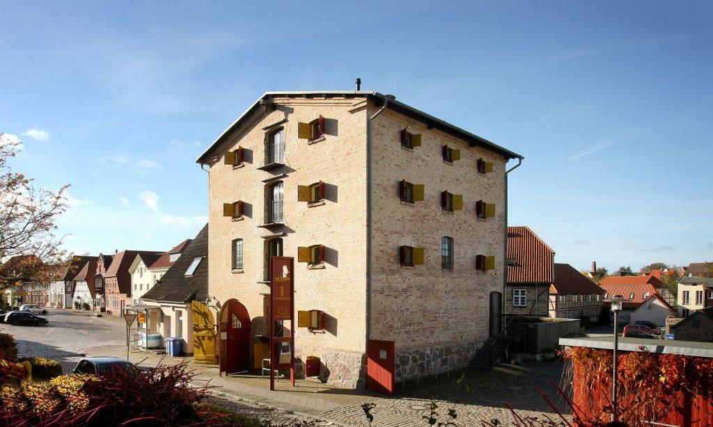 Aussenansicht des Literaturhaus Uwe Johnson in Klütz. Foto: Silke Winkler